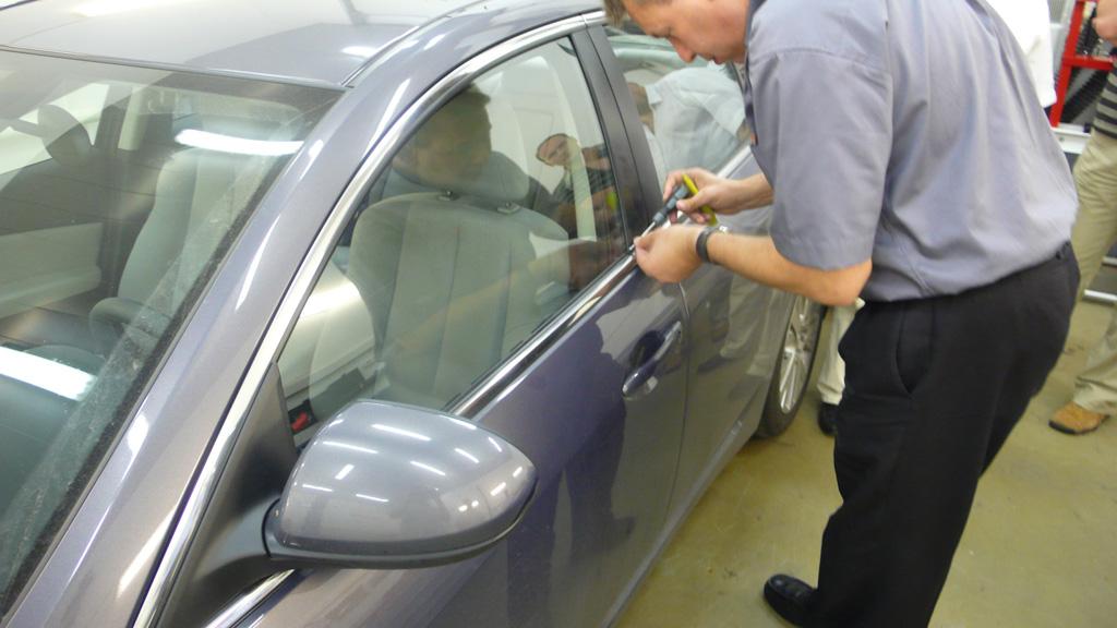 Служба вскрытия автомобильных дверей