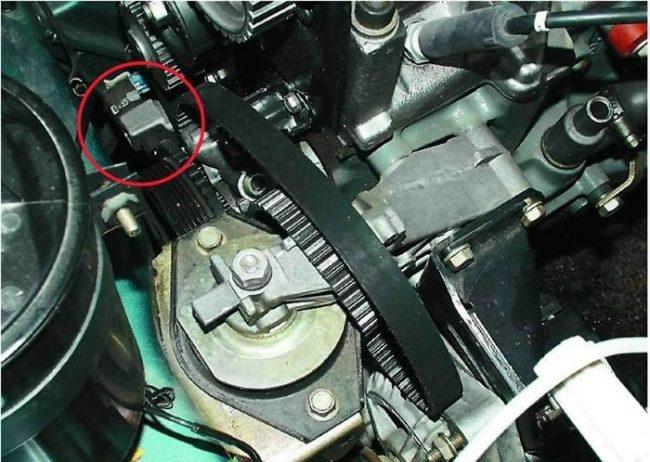 Ваз-2109 датчик коленвала где находится