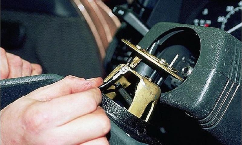 том, чего как открыть кнопку сигнала на руле ваз 21010 тип изделий