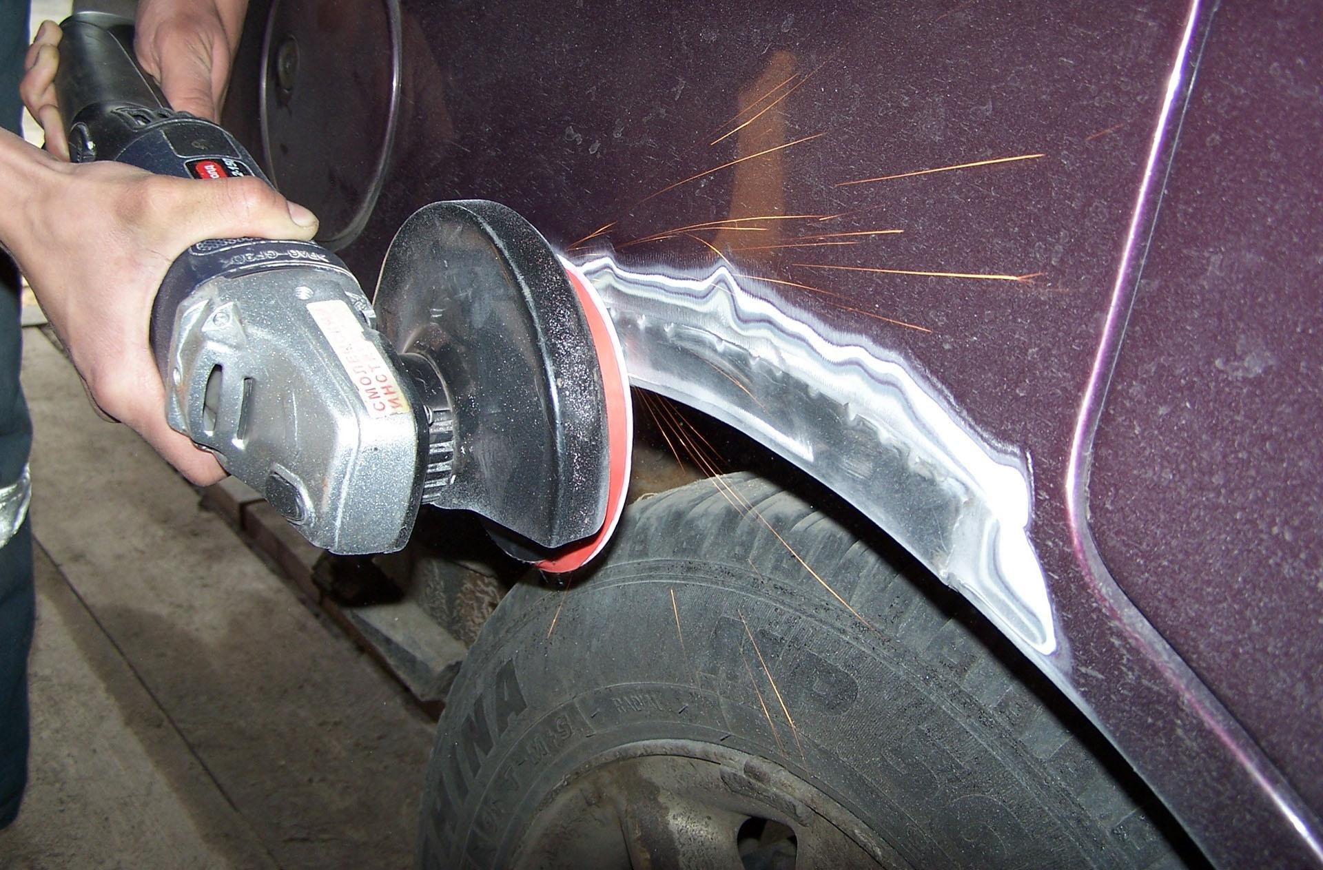 Как зачистить ржавчину на машине и покрасить своими руками