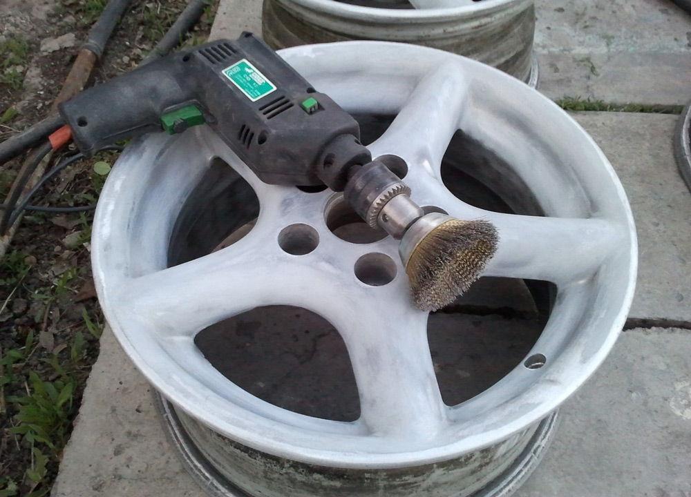 Как очистить колесные диски от краски своими руками в домашних условиях 1