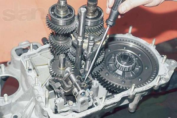 Ремонт КПП на ВАЗ 2110 своими руками (фото, видео)