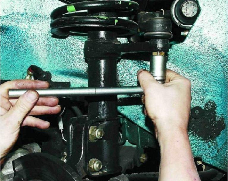 Замена рулевых наконечников своими руками 94