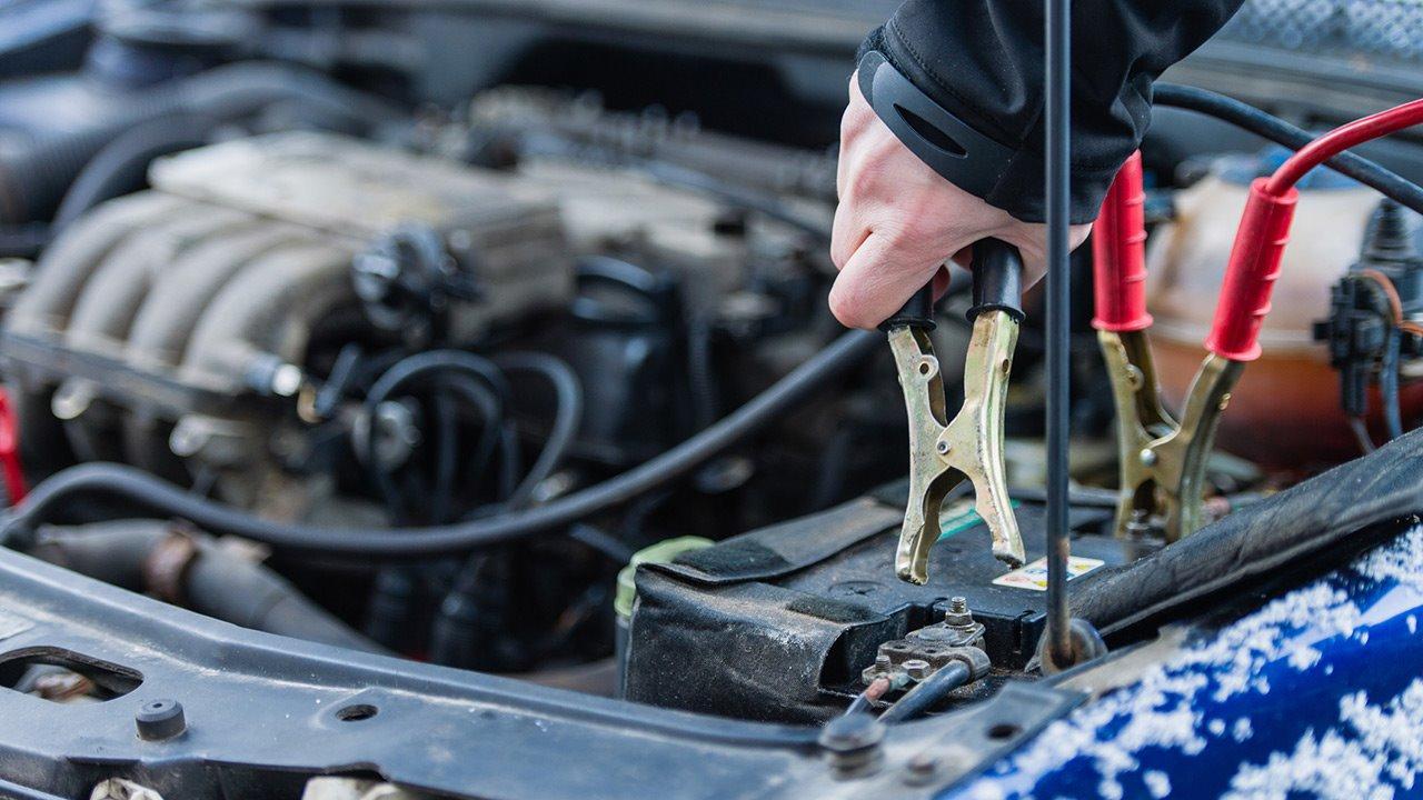 Советы автомобилистам как в мороз взбодрить аккумулятор