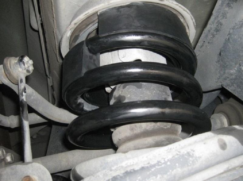 Плюсы и минусы проставок для увеличения клиренса автомобиля
